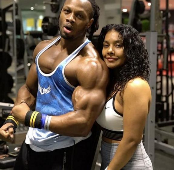 乌利塞斯是健身界最幸福的男人?他的女人应该比他更幸福