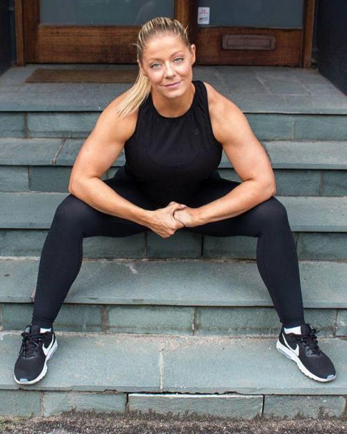 丹麦健身模特产后体重180斤,块头更强壮,只想减掉20斤