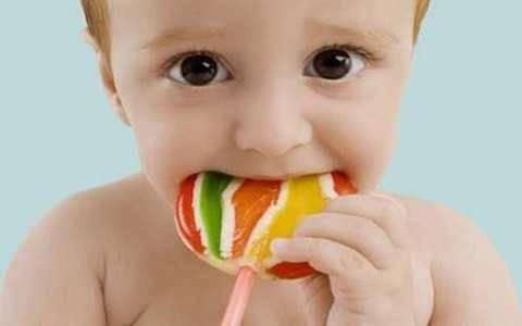 家长可分阶段控制宝宝吃糖