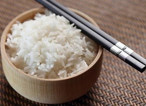 热量和米饭谁的面条高,更容易发胖?营养师:冬季v热量不刷脂备赛如何安排图片