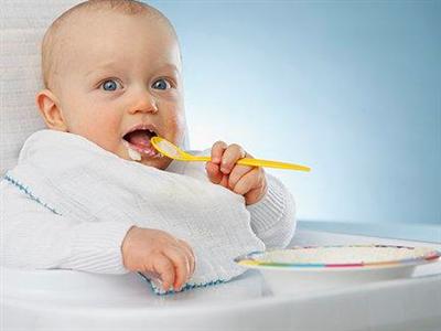 如果发现小孩子晚上睡觉翻来覆去睡不香,就很可能是肠胃有问题,消化
