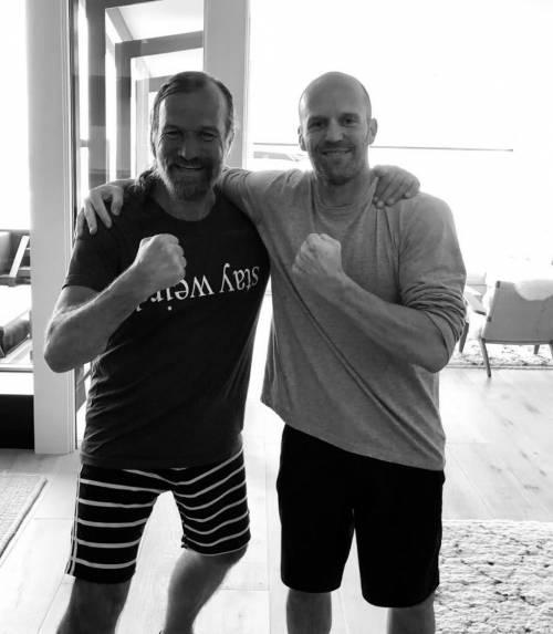 杰森斯坦森最新的肌肉照片刷爆健身圈