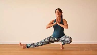 这套安全有效的瑜伽开肩序列,助你灵活肩颈,缓解疼痛!图片