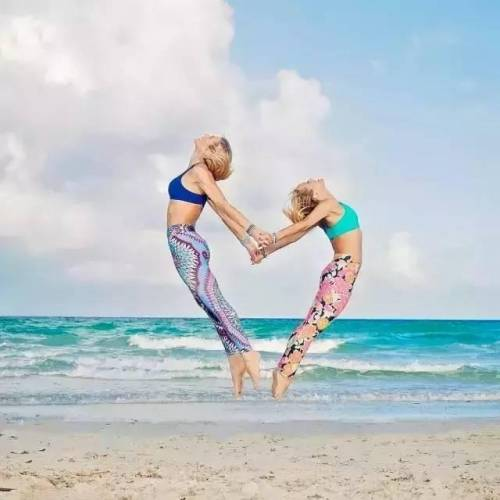 她瑜伽18年,从25岁疾病缠身的胖妞到43岁坐拥粉丝百万的网红……