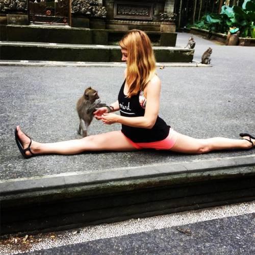 神猴哈努曼式,让你腿部的曲线更完美