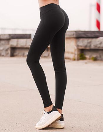臀腿练习不一定非要深蹲,3个动作,在家塑造翘臀和细腿