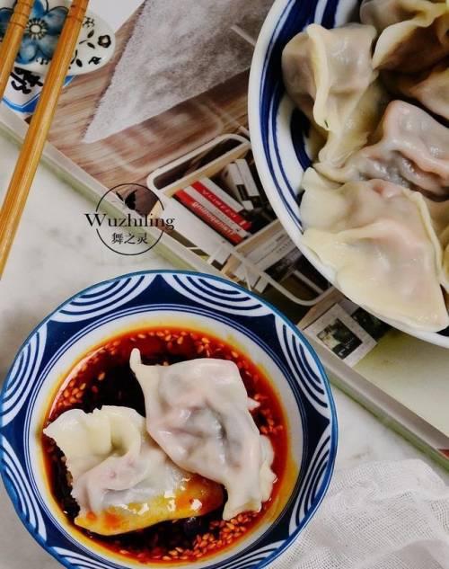 夏天此菜别放过,用来包饺子,补血明目,1大盘不够吃-歪迪资源屋
