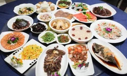 懂养生的人,不会在饭后喝两种水,影响肠胃消化、升高血糖没好处