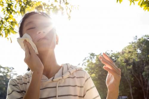 夏天到了,身边也有人不舒服。如何快速识别中暑