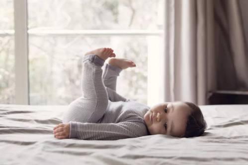 睡前抬腿15分钟,全身气血相连