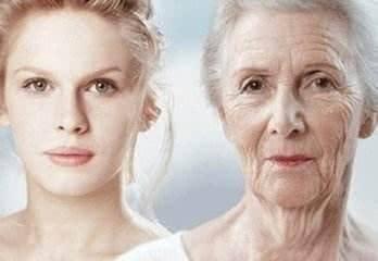 女人45岁之后,每天用两种中药泡水喝,抗衰老、缓解痛经效果明显