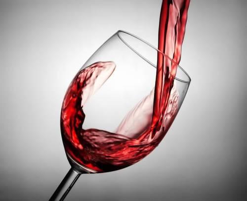 喝红酒有高血压会有什么后果?喝红酒控制高血压是不可