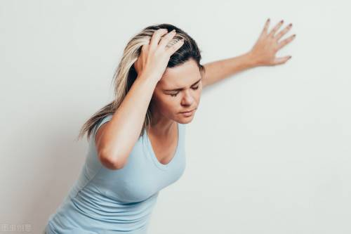 蹲久了站起来头晕,是低血压吗?答案没你想的那么简单