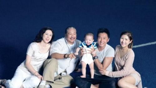 66岁洪金宝应妻子要求节食减肥,网友称还有这样宠老婆的?
