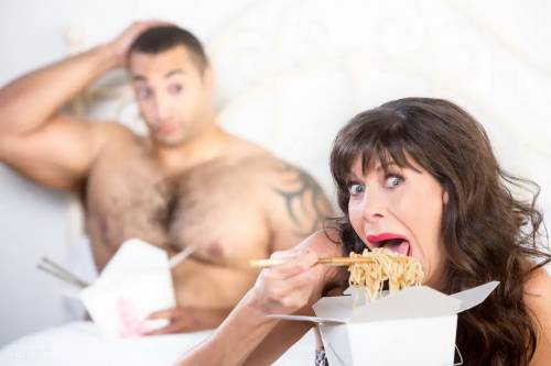 发胖恶习,第二个大家都犯,最后一个男性朋友占大多数