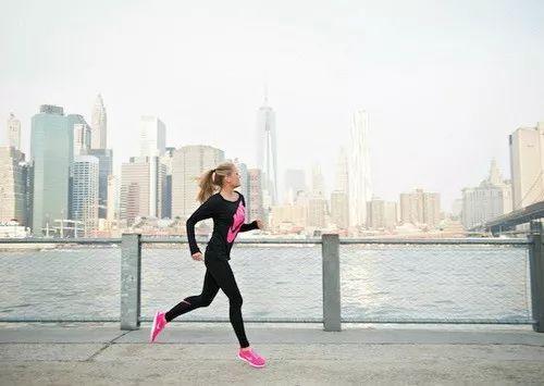 女生跑步,这一辈子是可以预见的